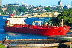 STX ACE 1号成品油船
