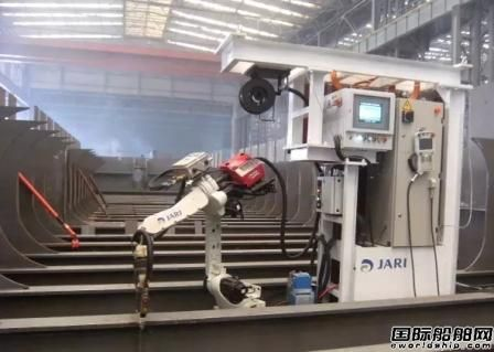 """机器人9月5日在大连船舶重工(位置评论新闻)集团顺利通过""""试用期"""""""