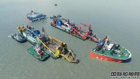 """""""振华28""""轮顺利发运上海至马来西亚项目"""
