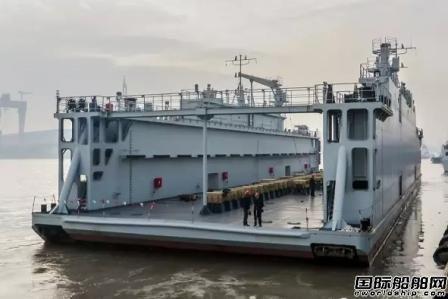 沪东中华建造浮船坞获船东点赞