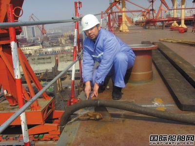 """王鹏:自创造船工法为大型油轮建造""""提速"""""""