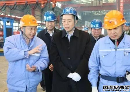 """""""老船人""""谭作钧来到大船集团调研"""