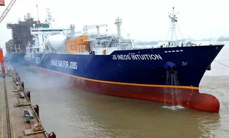 新扬子造船单日实现三大生产节点