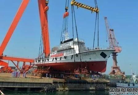 京鲁船业一艘300吨级渔政船顺利下水
