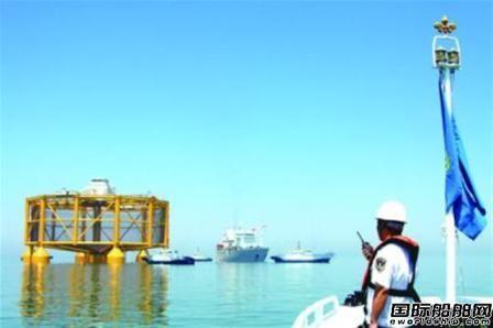 武船造智能渔场运往挪威11艘船保驾护航