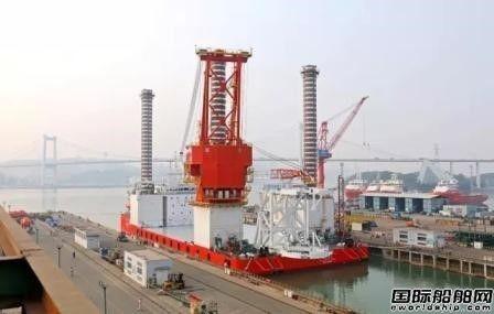 厦船重工第二艘海上风电一体化作业移动平台出坞