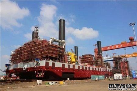 振华重工建造世界最大风电安装船下水