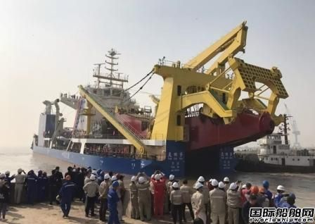"""亚洲最大绞吸挖泥船""""天鲲号""""今日下水"""