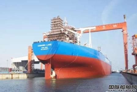 大船集团新一代31.9万吨VLCC顺利出坞
