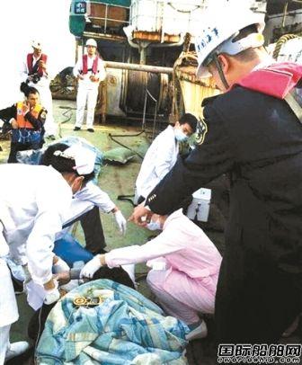 珠江口撞船7人获救仍有5人被困