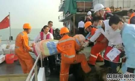 生死救援!珠江口撞船事故搜救仍在继续