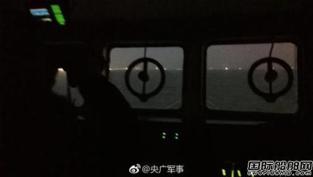 上海吴淞口凌晨发生沉船事故10名船员下落不明