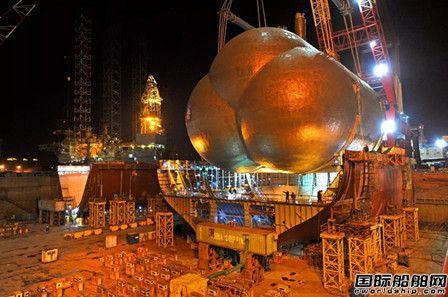 大船海工完成全球首艘85000方VLEC首个C型液货罐吊装
