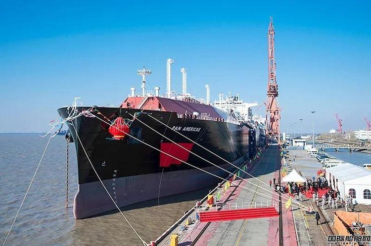 """沪东中华两艘17.4万立方米LNG船同日""""出嫁"""""""