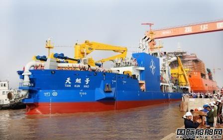 费龙:数十年钻研实现大型挖泥船自主研发