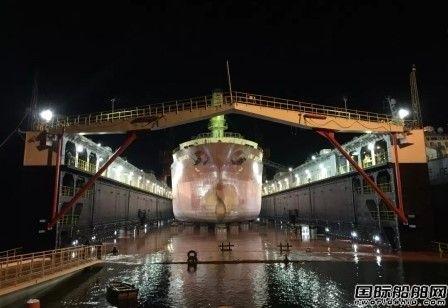 """""""比雷埃夫斯III""""号浮船坞希腊完美首秀"""