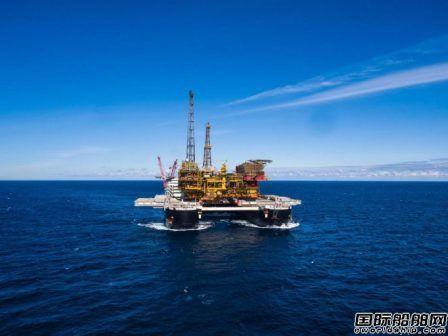 全球最大海工船起航前往挪威
