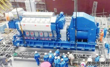 """""""雪龙2""""号破冰船发电机组顺利安装到位"""