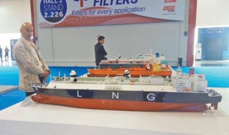中国船舶扬帆爱琴海